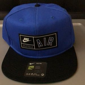 NWT Nike Air Snapback in blue and black